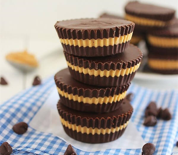 Easy Making Peanut Butter Cups