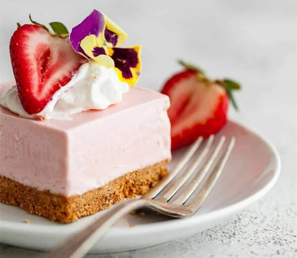 Frozen Strawberry Cheese Cake